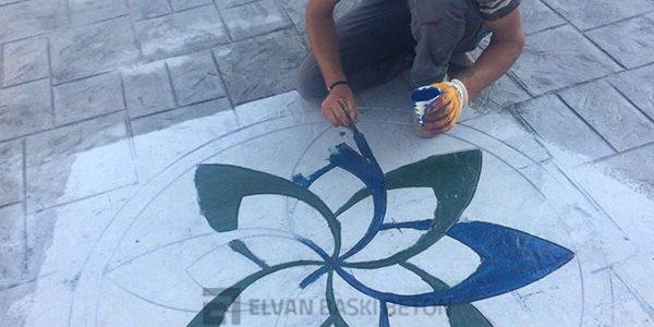 Çiçek Madalyon Kalıbını Yaparken